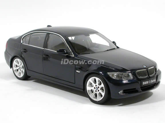 2009 BMW 330i diecast model car 1:18 scale die cast from Kyosho - Navy Blue