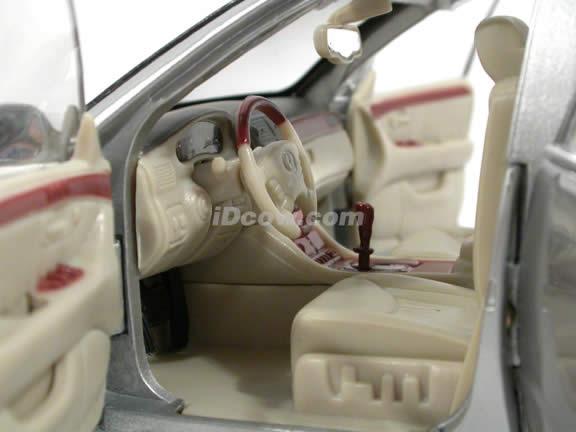 2002 Lexus LS430 diecast model car 1:18 scale die cast by Motor Max - Silver