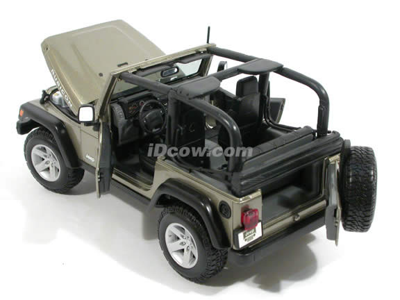 2004 Jeep Wrangler Rubicon diecast model car 1:18 scale die cast by Maisto - Pewter