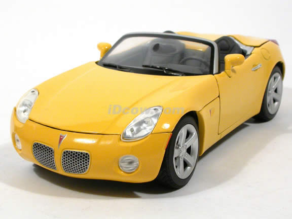 2006 Pontiac Solstice diecast model car 1:18 scale die cast by Yat Ming - Yellow