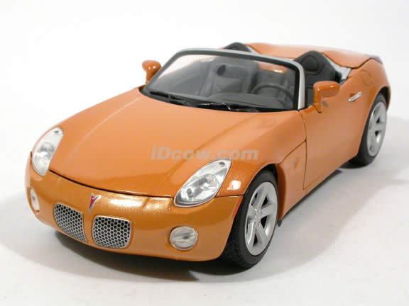 2006 Pontiac Solstice diecast model car 1:18 scale die cast by Yat Ming - Orange