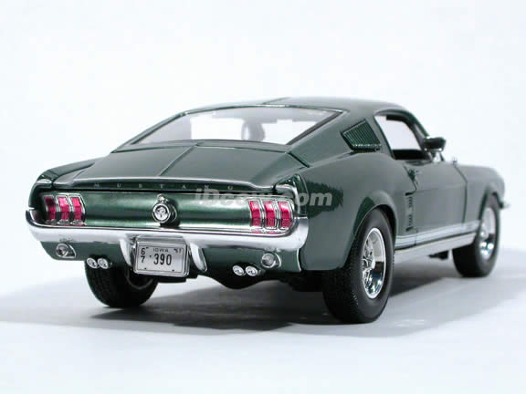 1967 Ford Mustang GTA Fastback diecast model car 1:18 scale die cast by Maisto - Green