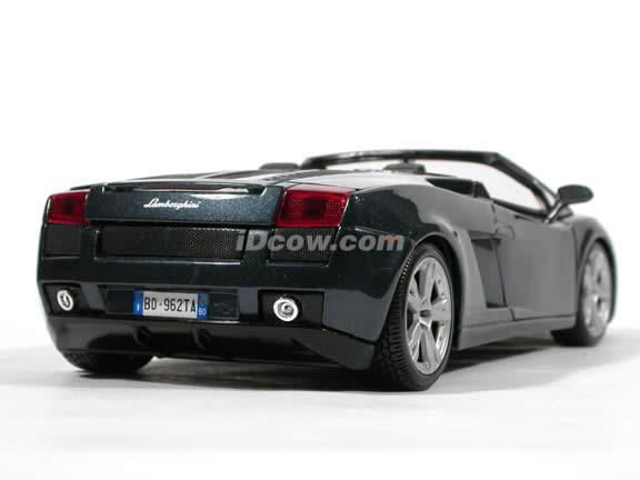 2006 Lamborghini Gallardo diecast model car 1:18 scale spyder by Bburago - Black Spyder