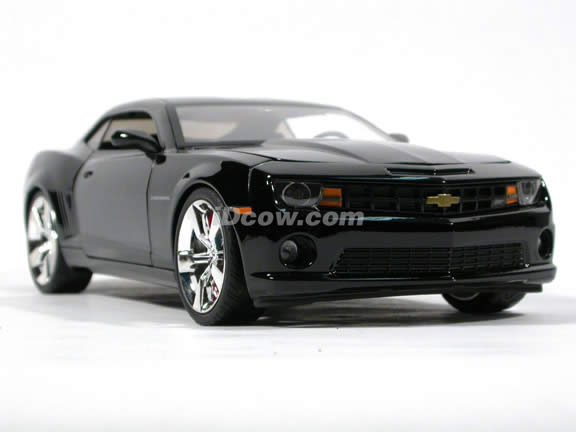 2010 Chevy Camaro SS diecast model car 1:18 scale die cast by Jada Toys - Black