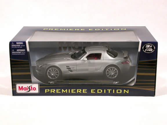 2011 Mercedes Benz SLS AMG diecast model car 1:18 scale die cast by Maisto - Silver