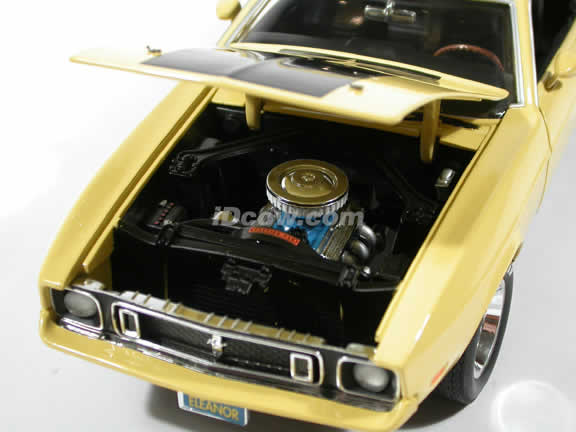 1973 Ford Mustang model Mach 1 diecast model car