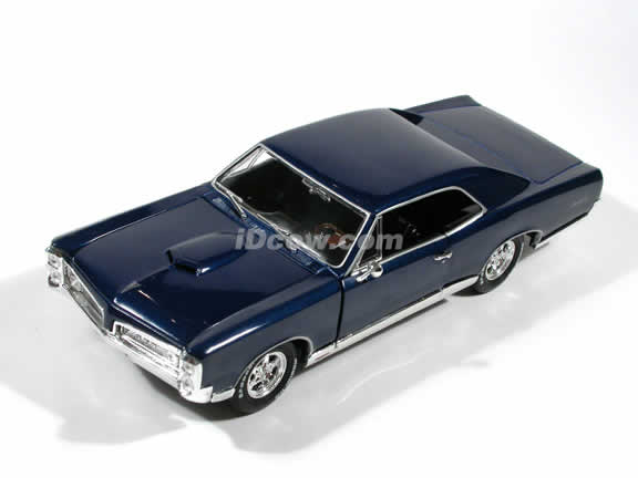 1967 Pontiac GTO diecast model car Xander Cage in 'xXx' 1:18 die cast by Ertl - Blue