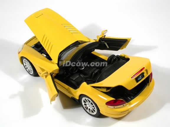 2003 Dodge Viper diecast model car