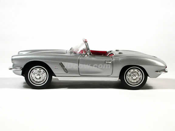 1962 Corvette model die cast car 1:18 diecast by Ertl - Silver