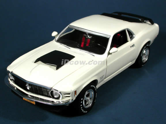 1970 Ford Mustang Boss 429 diecast model car 1:18 scale die cast by Ertl 1 of 2500 - White