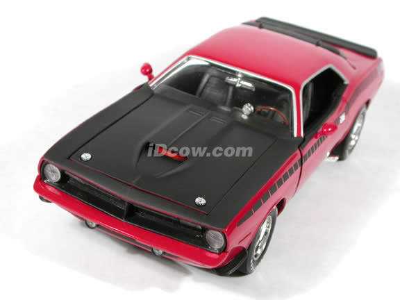 1970 Plymouth CUDA AAR diecast model car 1:18 scale die cast by Ertl 1 of 2500 - Red
