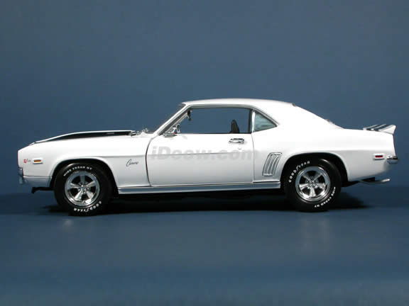 1969 Chevy Camaro Z28 diecast model car 1:18 scale die cast by Ertl 1 of 2500 - White