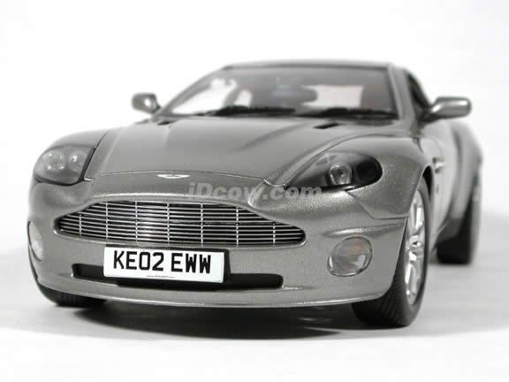 2002 Aston Martin Vanquish V12