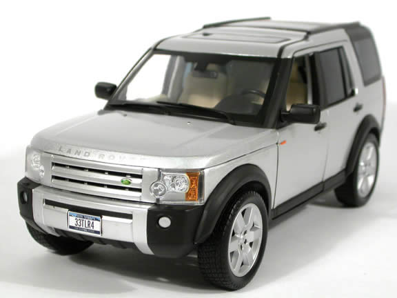 2005 Land Rover Lr3 Cast Model Suv 1 18 Scale By Ertl Silver