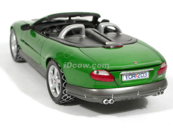 2002 Jaguar XKR diecast model car 1:18 scale Roadster James Bond Die Another Day by Ertl - Green