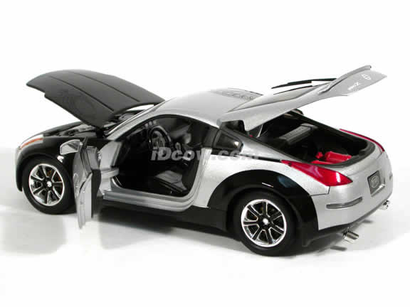 2003 Nissan 350Z diecast model car 1:18 scale Fast and Furious 3 Tokyo Drift by Ertl - Black and Silver 53608A