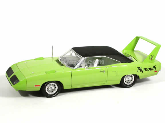 1970 Plymouth Superbird diecast model car 1:18 scale die cast by Ertl - Bright Green 39408