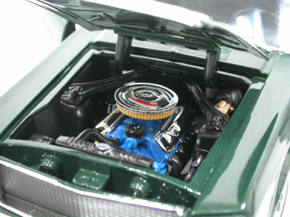 1968 Ford Mustang GT Bullit diecast model car 1:18 scale die cast by Ertl - Green 33118