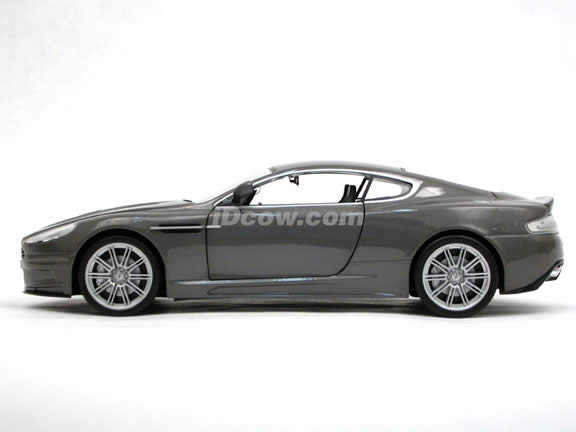 2006 Aston Martin DBS James Bond Casino Royale diecast model car 1:18 scale die cast by Ertl - 33858