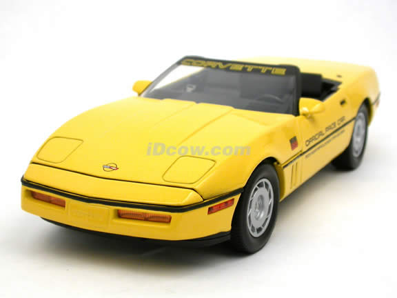 1986 Chevrolet Corvette diecast model car 1:18 scale Indy 500 Pace Car by GreenLight Collectibles - Yellow 11801