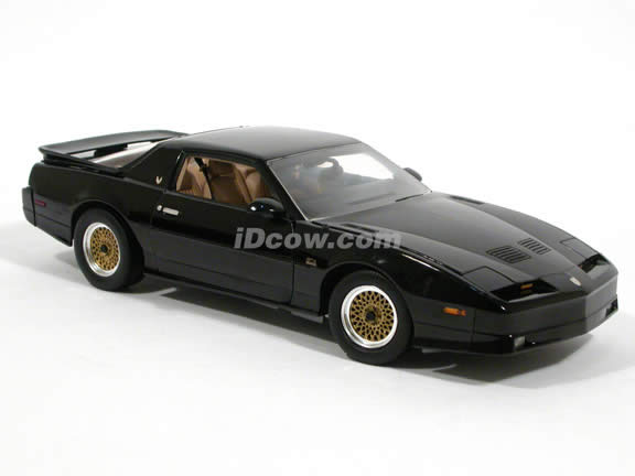 1989 Pontiac Trans Am diecast model car 1:18 scale die cast by GreenLight Collectibles - Black