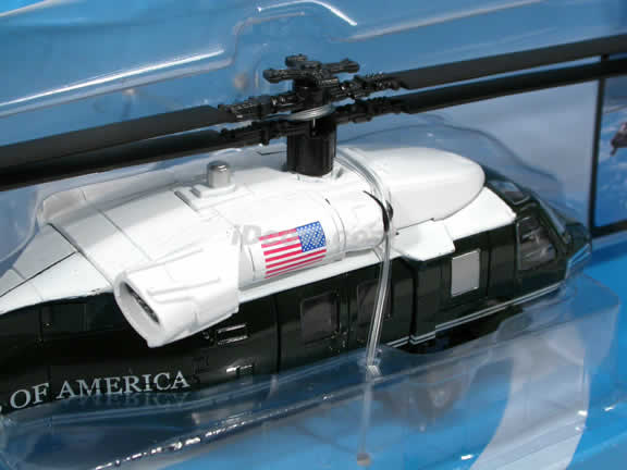White Hawk VH-60N Helicopter diecast model 1:72 scale die cast from NewRay - Dark Green and White