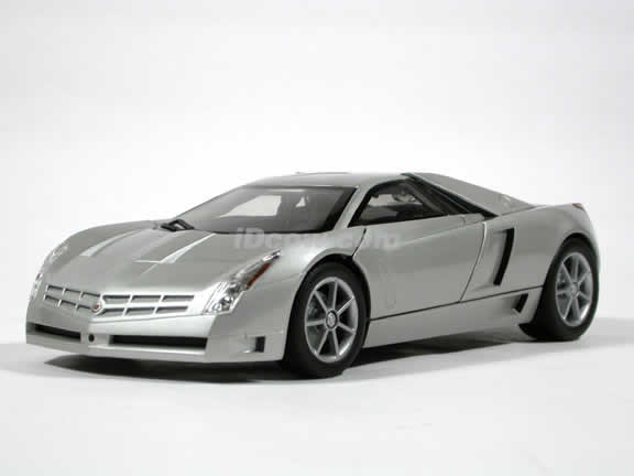Cadillac Cien V12 Concept diecast model car 1:18 die cast by Hot Wheels - Silver