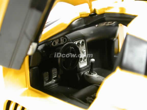 Saleen S7 diecast model car 1:18 die cast by Hot Wheels - Yellow