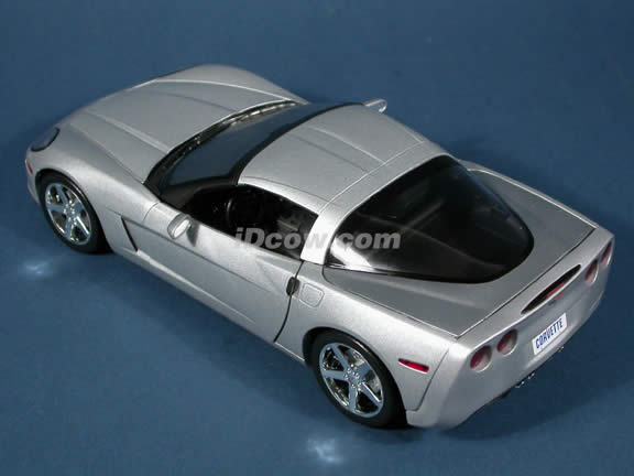 2005 Chevrolet C6 Corvette diecast model car 1:18 scale die cast by Hot Wheels - Silver