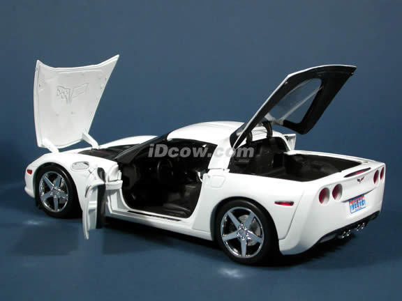 2005 Chevrolet C6 Corvette diecast model car 1:18 scale die cast by Hot Wheels - White Limited Edition