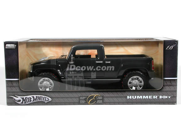 2004 Hummer H3T Concept diecast model truck 1:18 scale die cast by Hot Wheels