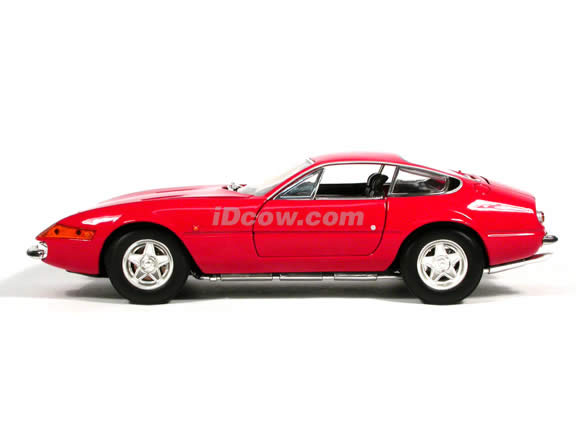 1970 Ferrari 365 Daytona diecast model car 1:18 scale GTB/4 by Hot Wheels - Red