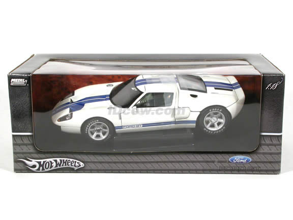 2004 Ford GT Concept diecast model car 1:18 die cast by Hot Wheels - White