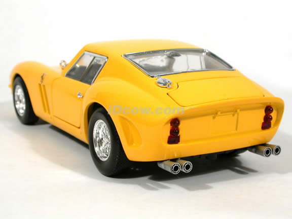 1962 Ferrari 250 GTO diecast model car 1:18 scale diecast by Hot Wheels - Yellow
