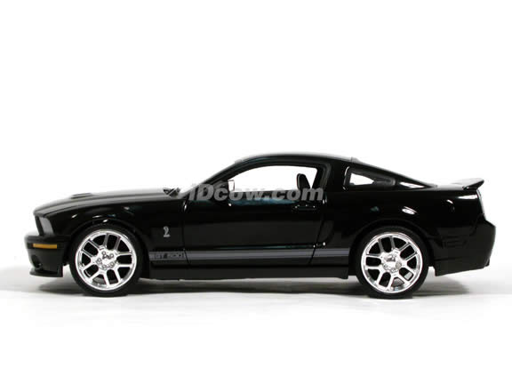 2007 Ford Mustang Shelby GT500 diecast model car 1:18 scale die cast by Hot Wheels - Black J2866