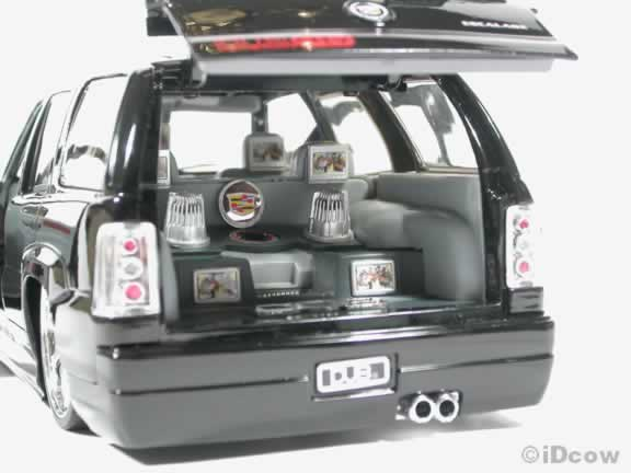 2002 Cadillac Escalade SUV Diecast model car with Spintek Stunners  1:18 scale from Dub City Jada Toys - Black