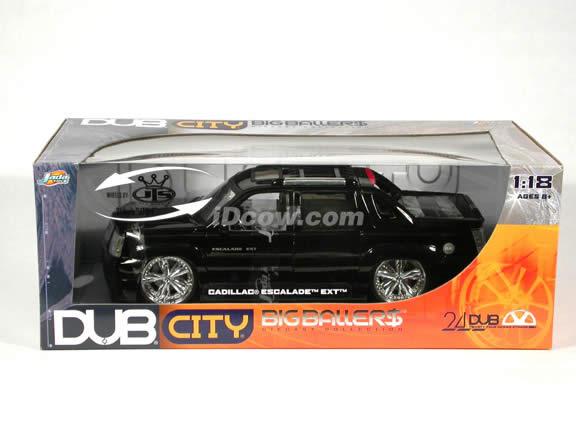 2002 Cadillac Escalade EXT diecast model car 1:18 scale from Dub City Jada Toys - Black