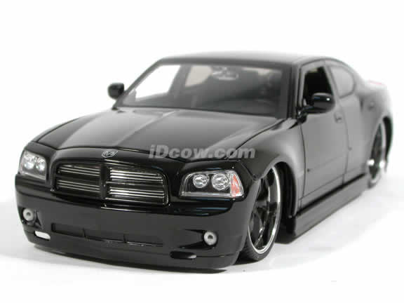 2006 Dodge Charger R/T diecast model car 1:18 scale die cast by Jada Toys Dub City - Black 90723