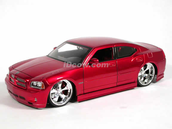 2006 Dodge Charger R/T diecast model car 1:18 scale die cast by Jada Toys Dub City - Metallic Red 90723