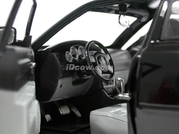 2006 Dodge Charger R/T diecast model car 1:18 scale die cast by Jada Toys Showroom Floor - Black 90725