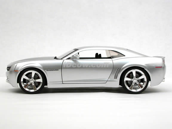 2006 Chevy Camaro Concept diecast model car 1:18 scale die cast by Jada Toys - Silver 91077