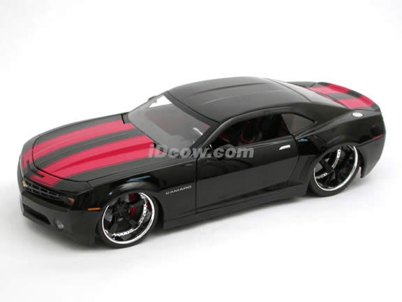 2006 Chevy Camaro Concept diecast model car 1:18 scale die cast by Jada Toys Bigtime Muscle - Black 91080