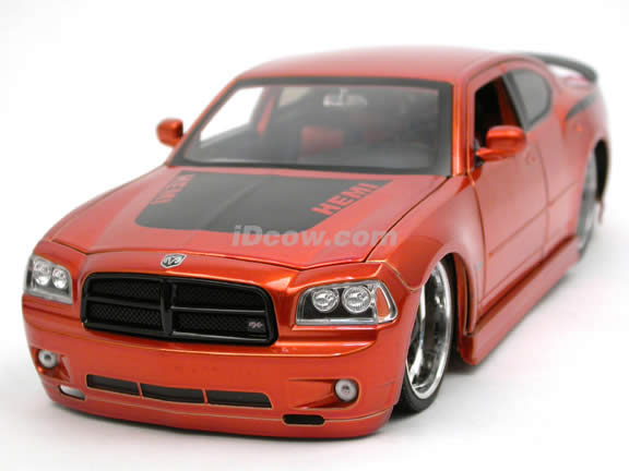 2006 Dodge Charger R/T diecast model car 1:18 scale die cast by Jada Toys Bigtime Muscle - Copper Orange 90792