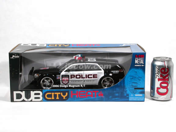 2006 Dodge Magnum R/T Police Car diecast model car 1:18 scale die cast by Jada Toys DUB CITY HEAT - 90571