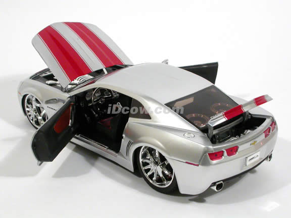 2006 Chevy Camaro Concept diecast model car 1:18 scale die cast by Jada Toys - Big Time Muscle Silver 91080