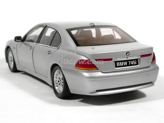 2004 BMW 745i diecast model car 1:18 scale die cast from Kyosho - Silver