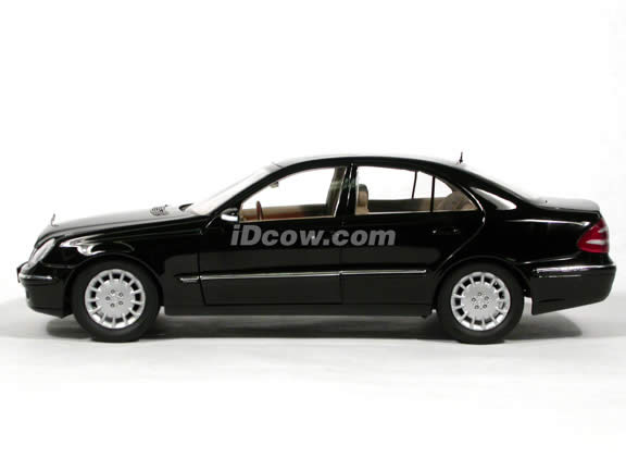 2004 Mercedes Benz E-Class Sedan diecast model car 1:18 scale die cast from Kyosho - Black