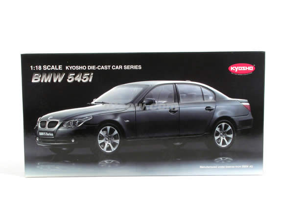 2004 BMW 545i diecast model car 1:18 scale die cast from Kyosho - Grey
