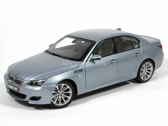 2006 BMW M5 diecast model car 1:18 scale die cast from Kyosho - Silver