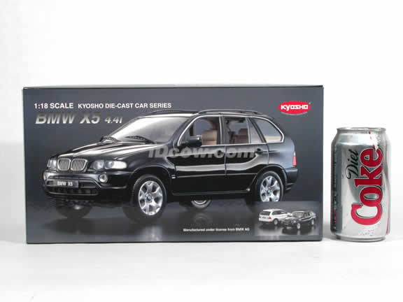 2002 BMW X5 diecast model car 1:18 scale die cast from Kyosho - White 08521W
